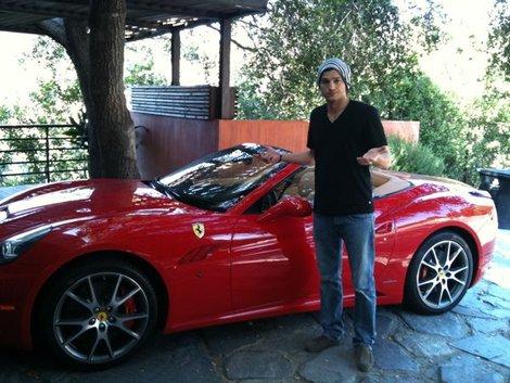 Ashton Kutcher Red Ferrari Penis Size Matter